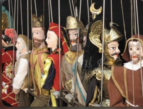 Gigolo un mondo di burattini e marionette